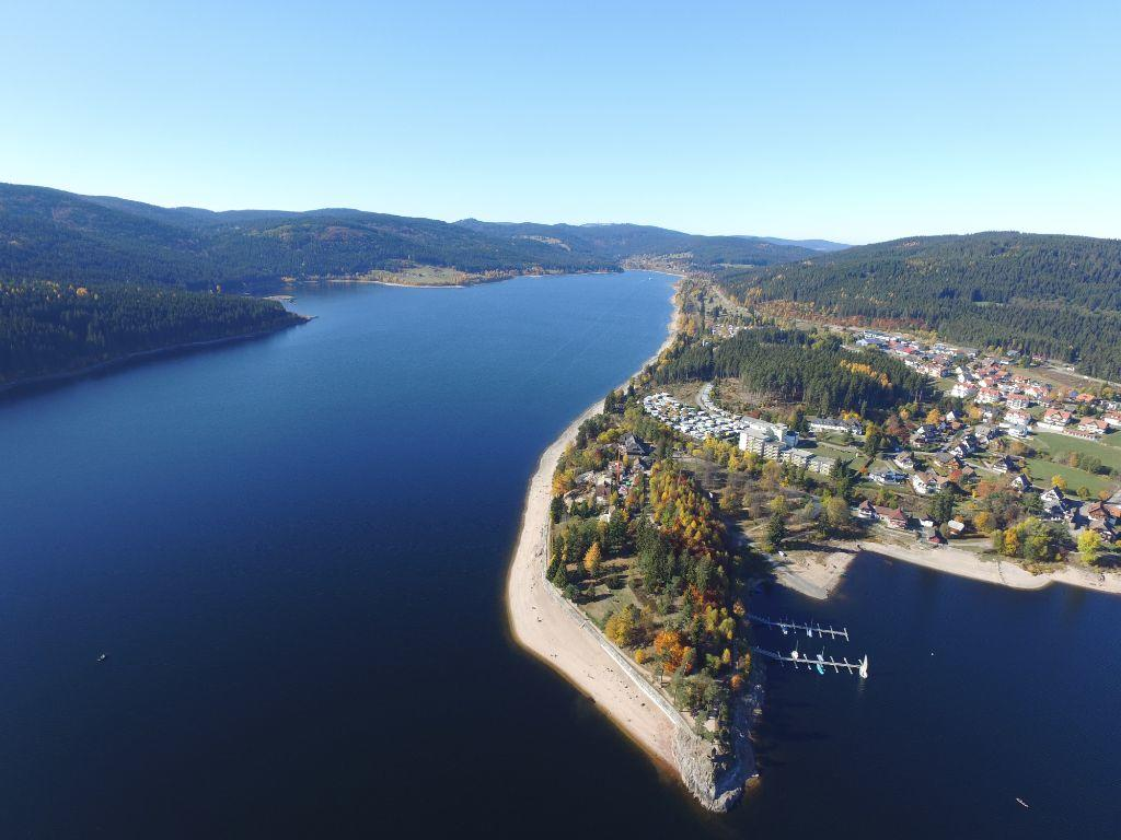 Der Schluchsee mit der gleichnamigen Gemeinde