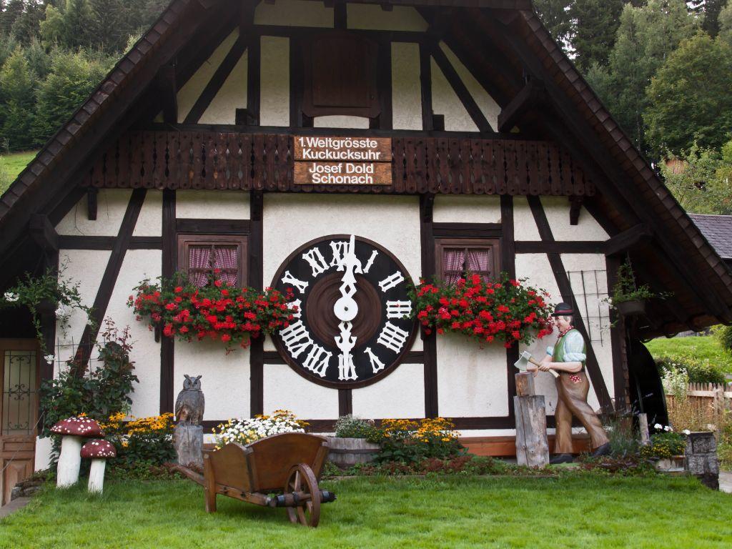 أكبر ساعة وقواق في العالم في Schonach