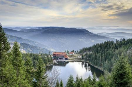 Le Mummelsee dans le nord de la Forêt-Noire Image: pixabay.com