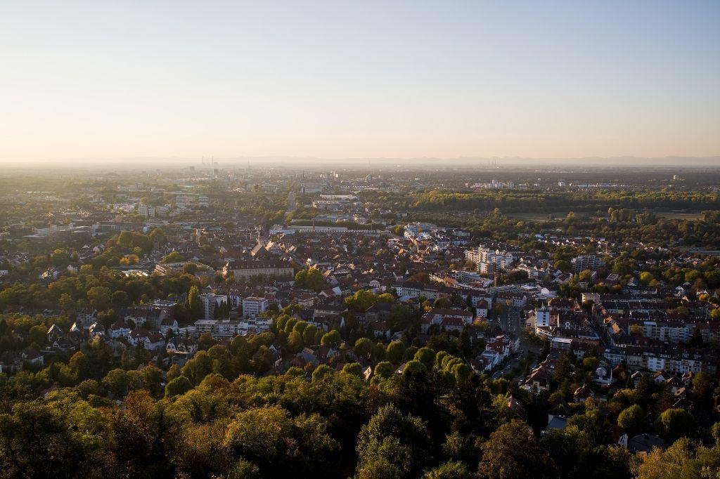 Karlsruhe <br>by Pixabay