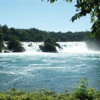 Рейнский водопад недалеко от Шаффхаузена