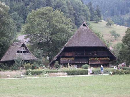 Фермерский дом в музее под открытым небом Vogtsbauernhöfe