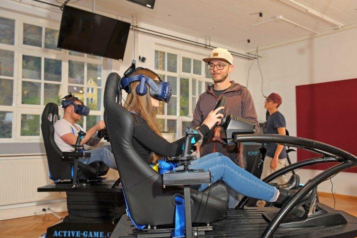 Simulator in the virtual world
