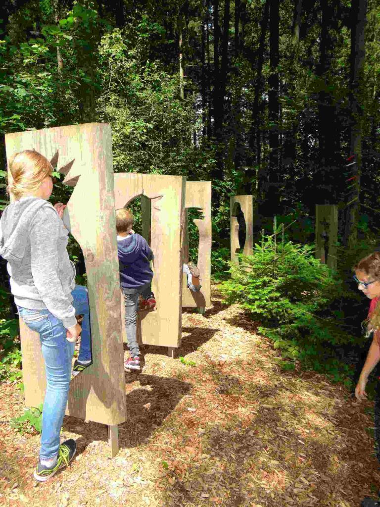Adventure trail - steles