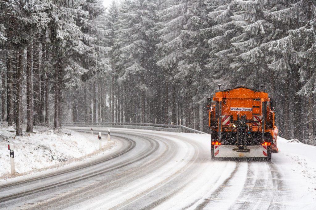 Schneepflug im Schwarzwald
